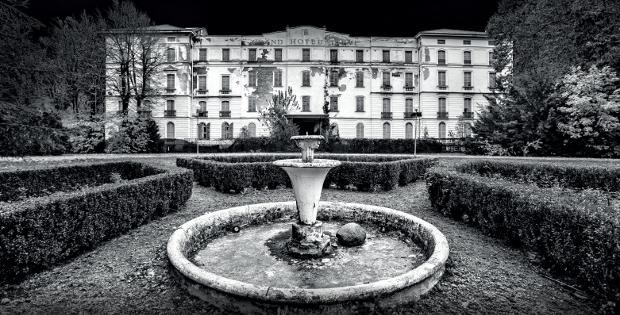EXIT hotel fantasma in provincia di Pavia
